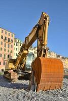escavatore giallo foto