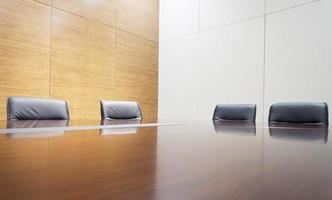 interno moderno della sala riunioni dell'ufficio foto