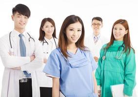 standing team di medici professionisti foto