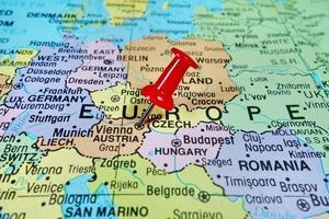 marcatura puntina da disegno sulla mappa di Vienna, Austria foto