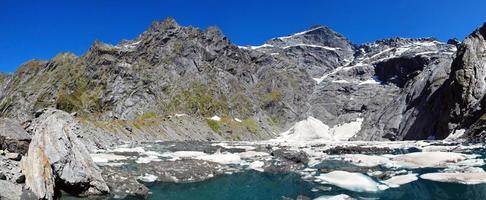 lago del crogiolo nel parco nazionale del monte aspirante, Nuova Zelanda foto