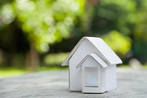 modello di casa di carta. foto