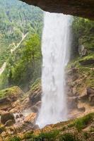 cascata pericnik nel parco nazionale del triglav, alpi julian, slovenia. foto