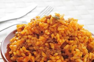 picadillo, piatto tradizionale in molti paesi dell'America Latina, con riso foto