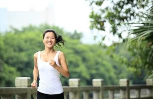 donna di stile di vita sano jogging foto