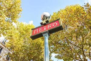 bella stazione della metropolitana di Parigi foto
