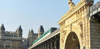 vita urbana-metropolitana di Parigi foto