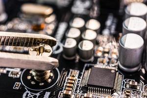 riparazione computer, scheda madre installazione foto