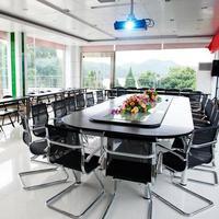 interno della sala conferenze foto