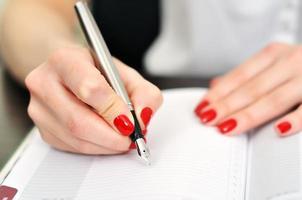 scrittura a penna stilografica foto