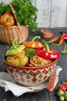 peperoni ripieni di riso e carne foto