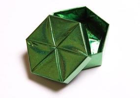scatola per un regalo il verde