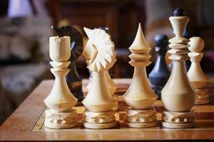 confronto di gioco di figura di scacchiera foto
