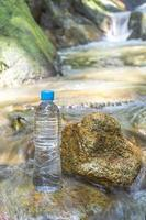 bevendo acqua foto