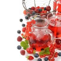 bevanda rinfrescante ai frutti di bosco foto