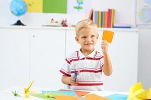 taglio di carta colorata foto