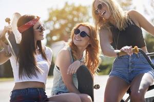 il tempo divertente può essere solo con i migliori amici foto