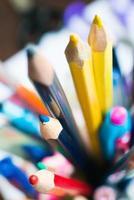 primo piano delle matite di colore