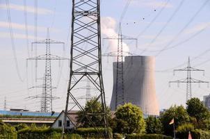 torre di trasmissione elettrica ad alta tensione foto