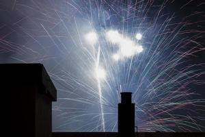 fuochi d'artificio sul tetto