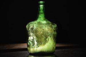 interno di botella con luz