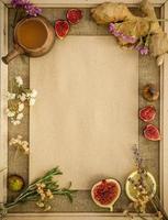 zenzero, limoni, miele e fichi con spazio di copia foto