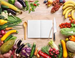 libro di cucina. copia spazio