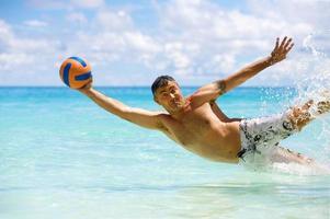 spiaggia e palla foto