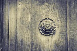 primo piano della vecchia porta foto