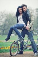 coppia nel parco foto