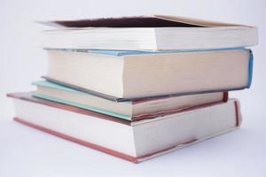 libri su sfondo bianco foto