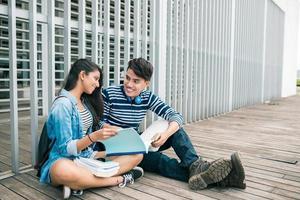 coppia di studenti foto