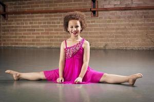 bellissima giovane ballerina foto