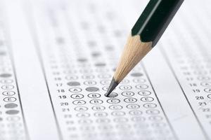 test di riempimento con matita verde foto