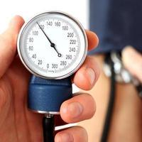 misurazione della normale pressione sanguigna foto