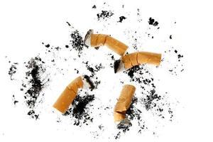 mozziconi di sigaretta foto