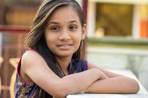ritratto di ragazza adolescente carina foto