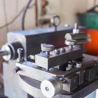 controllo della macchina in fabbrica foto