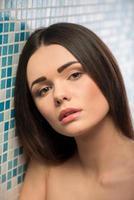 bella ragazza in bagno