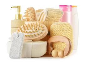 composizione con prodotti per la cura del corpo