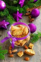biscotti italiani sul tavolo di Capodanno.