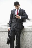 uomo d'affari in ufficio foto