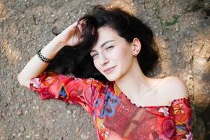 bella ragazza bruna foto