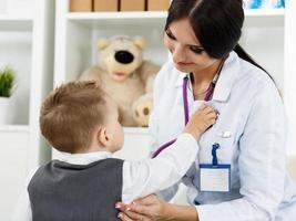 concetto medico di pediatria foto