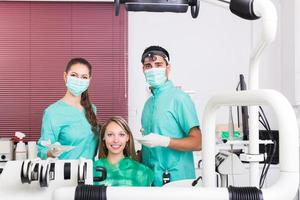 paziente presso l'ufficio di chirurgia foto