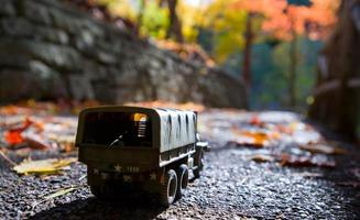 camion all'aperto in autunno