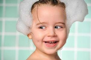 bagno con schiuma foto
