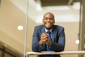 giovane uomo d'affari americano africano foto