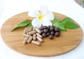medicina di erbe tailandese, supplementi di testi della palla medica