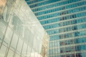 ufficio moderno grattacielo, astratto edificio aziendale foto